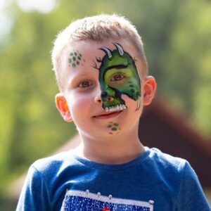 malowanie twarzy dinozaur piesek