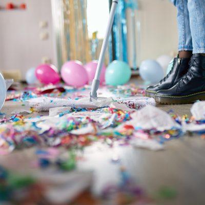 mycie_sprzatanie_po_urodzinach_jak_uniknąć_bałaganu_na_urodzinach_dzieci